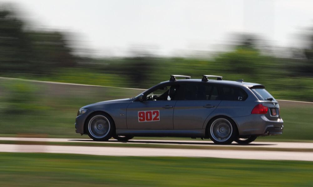 bmw-e90-sport-wagon-track-akg-motorsport